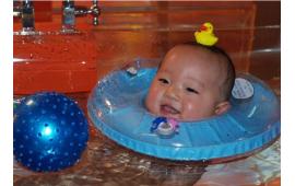 婴儿游泳体验记 (422播放)