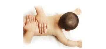婴儿抚触手法步骤详解与注意事项5