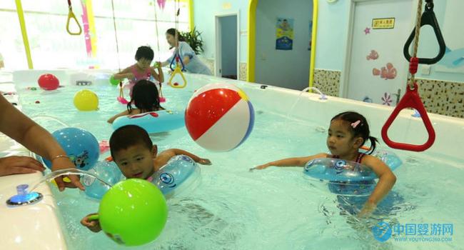 如何用低预算更好的经营婴儿游泳馆(深度好文) 婴儿游泳馆吸引顾客 如何经营婴儿游泳馆 婴儿游泳馆提升业绩 婴儿游泳馆经营管理1