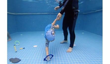 加盟婴儿游泳馆选择泡泡塘水育,领取十万元创业基金