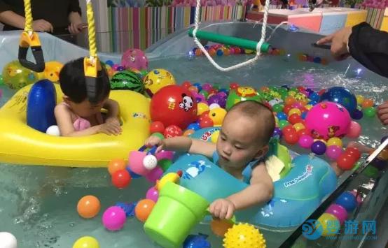 坚持婴儿游泳的好处 说婴儿游泳对宝宝没什么好处?谁给你的勇气?来看看专家的建议 婴儿游泳注意事项 婴儿游泳的好处8