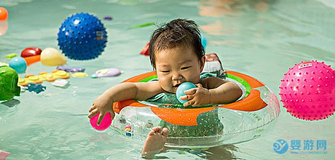 长期坚持婴儿游泳的宝宝和不游泳的宝宝相比,这四个方面大不一样! 为什么推荐宝宝游泳 婴儿游泳的四大好处 坚持婴儿游泳的好处4