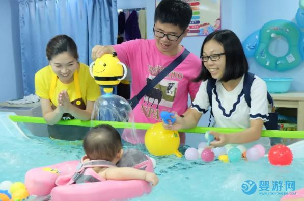 婴儿游泳的好处长高只是附带作用!更多的好处在这些方面! 坚持婴儿游泳的好处 婴儿游泳有哪些好处 婴儿游泳促进身高增长! (3)
