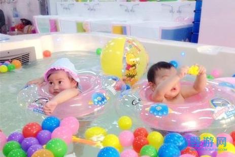 开婴儿游泳馆这样做,新店也能赚大钱! 婴儿游泳馆提高收益 游泳馆提高客流量 婴儿游泳馆怎么赚钱 (2)