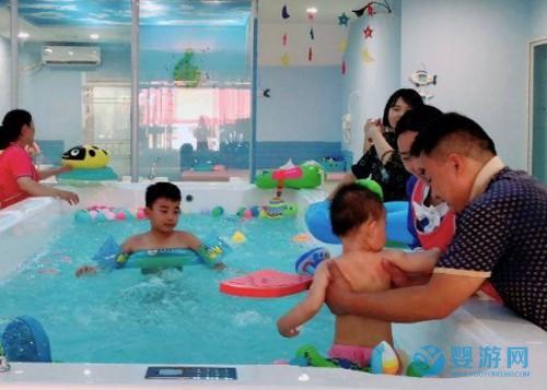 加盟婴儿游泳馆和自主开店哪一个更好