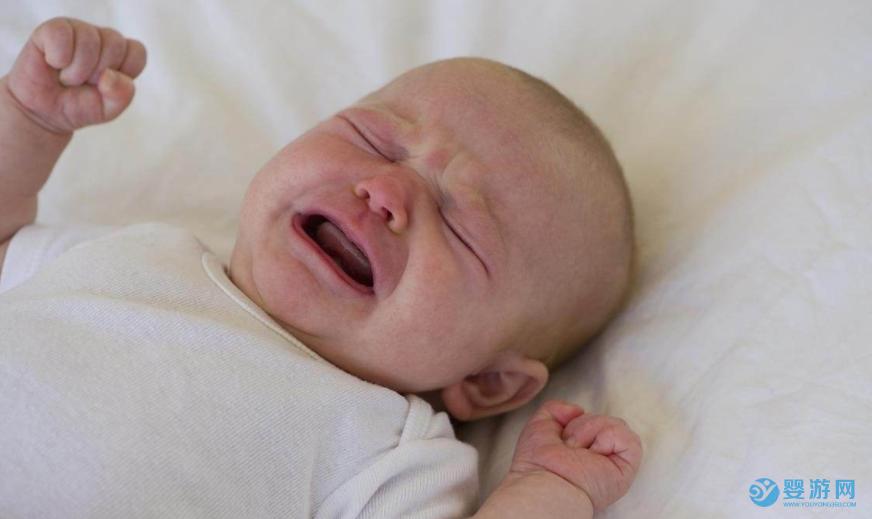 遇到喜欢哭的宝宝,爸爸应该怎么做? 爸爸怎么哄哭闹的宝宝 爸爸哄宝宝的技巧 宝爸怎么带娃更轻松 宝宝哭闹的六大原因1