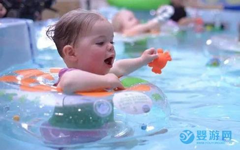 与其花大钱给宝宝报培训班,不如花小钱带孩子去游泳!它不香吗? 带孩子进行婴儿游泳和给孩子报培训班,哪个更适合孩子? (2)
