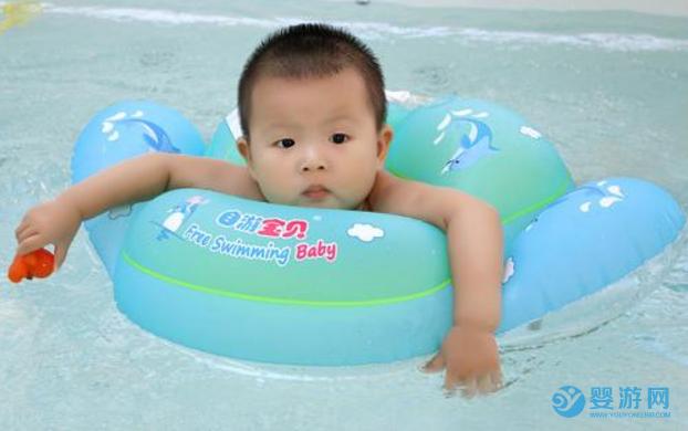 带宝宝游泳之后,吃得好了,睡得香了,打人也更有劲儿了! 坚持婴儿游泳的好处 婴儿游泳有哪些好处 婴儿游泳的好处有哪些 (2)