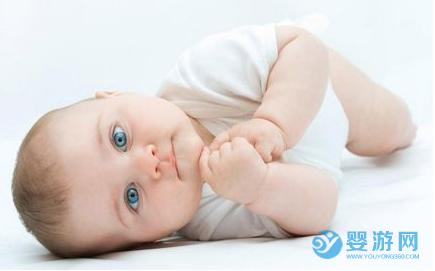 使用药贴辅助治疗宝宝身体疾病?一定要注意这5点! 药贴使用注意事项 陈为章药贴怎么用 宝宝能使用药贴吗1 (1)