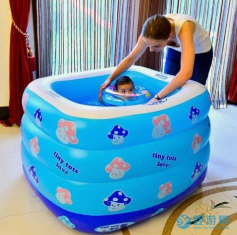 宝宝在家游泳还是去婴儿游泳馆