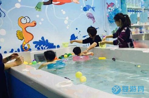 婴儿游泳馆人心安抚工作怎么做