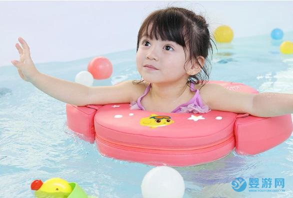 原来婴儿游泳的规矩这么多,怪不得和其他孩子有差距! 婴儿游泳有哪些好处 婴儿游泳注意事项 婴儿游泳安全吗 (5)