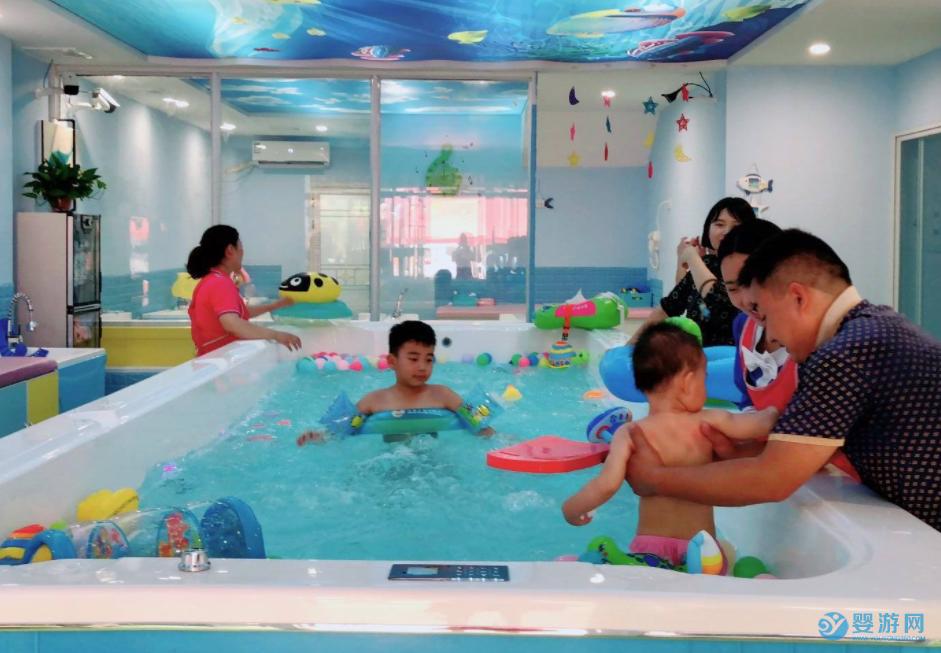婴幼儿究竟怕水还是亲水