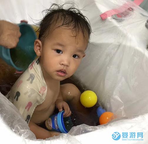 婴幼儿游泳+药浴解决宝宝咳嗽