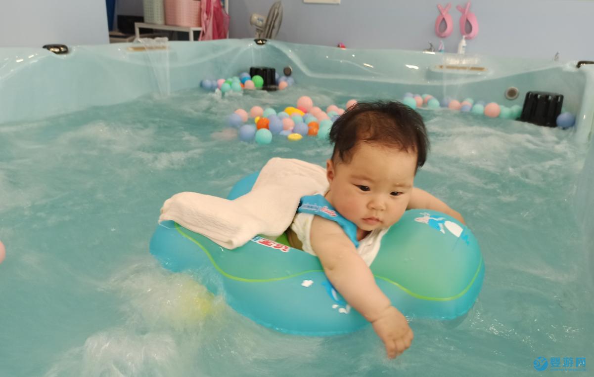 冬天婴幼儿游泳的好处有哪些